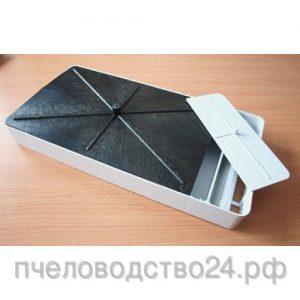 Кормушка потолочная пластмассовая, 2л