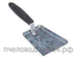 Скребок - лопатка оцинкованная с пластиковой ручкой