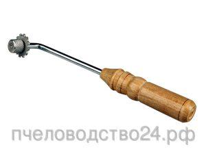Каток со шпорой для наващивания рамок с резной ручкой
