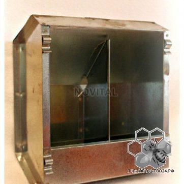 Кормушка бункерная оцинкованная металлическая двух секционная с крышкой для кроликов