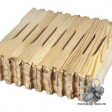Рамка еловая ЕВРО Дадан - Блатта 435х300 мм с прорезью для вощины (упаковка 100 шт).