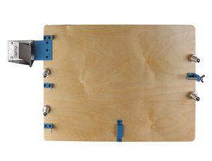 Станок для натяжки проволоки в рамки из дерева