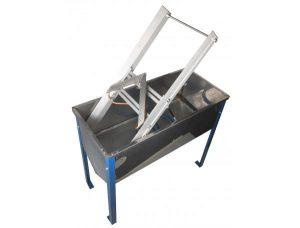 Стол для распечатки сотовых рамок с ножом и станиной