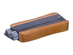 Устройство для натяжки проволоки на рамки из нержавейки «Волна»